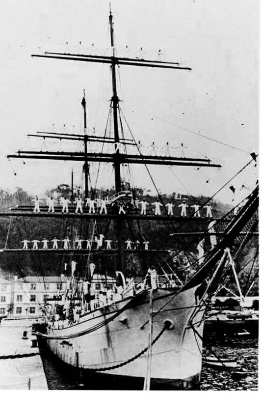 Edición Limitada 25 HMS Galatea-mano acabado