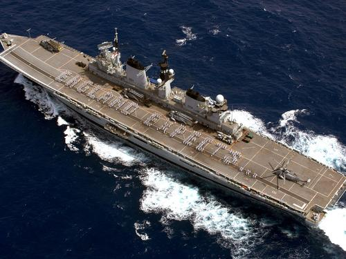 hms-illustrious-england-expects.jpg